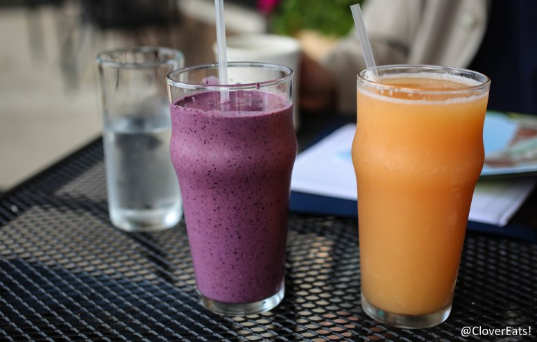 Breakfast smoothie and grapefruit juice