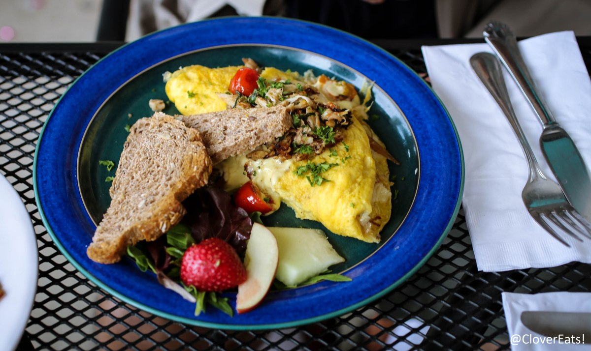 CloverEats: a healthy brunch at Juicy Kitchen