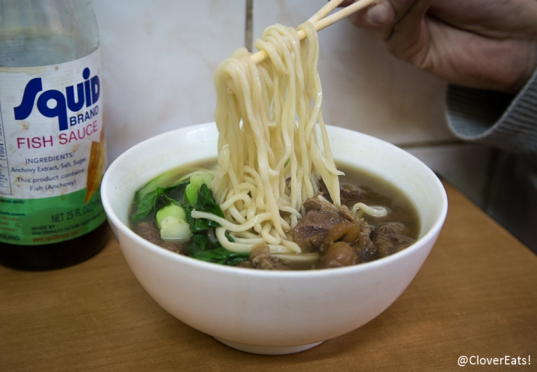 """Hand-pulled noodles with beef aka """"niu ro la mian""""!"""